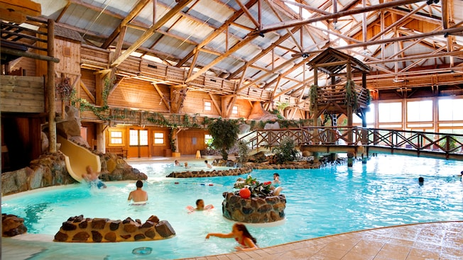 Piscine du disney 39 s davy crockett ranch disneyland paris for Paris hotel avec piscine