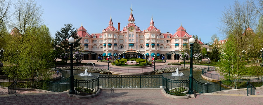 Disneyland hotel disneyland paris hotels for Hotels eurodisney